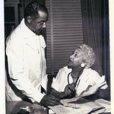 Drs. Joyce Yerwood and Joseph Carwin at work
