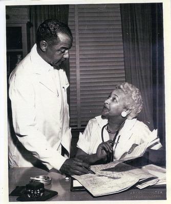 Drs. Joyce Yerwood and Joseph Carwin at work